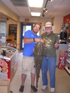Dave Warren with a 42-pound shovelhead