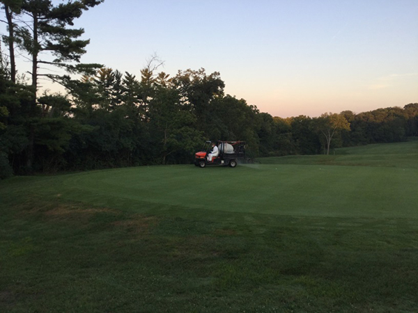 SW_golf course_spray truck